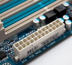 Komponen Pada Motherboard